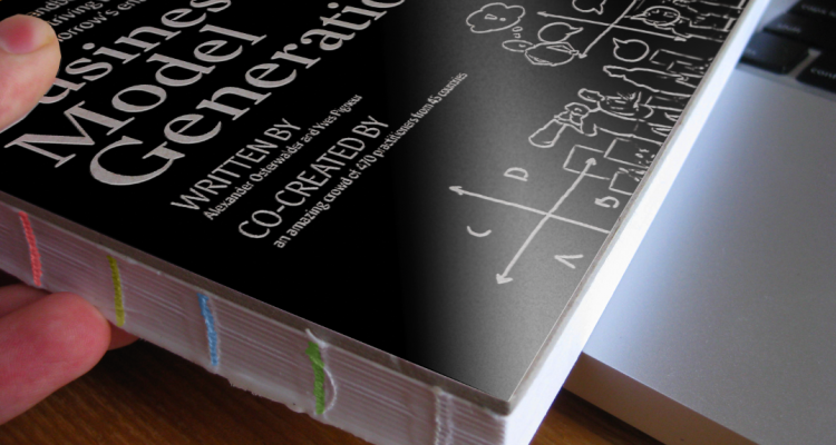 Business Model Generation Book Cover : A handbook for the visionaries business model generation